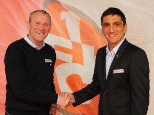 Sportdirektor Uwe Stöver mit dem neuen Trainer Tayfun Korkut. Foto: 1. FC Kaiserslautern